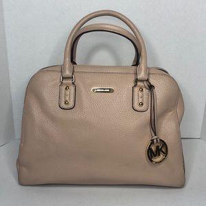 Michael Kors Bucket Bag with detachable strap